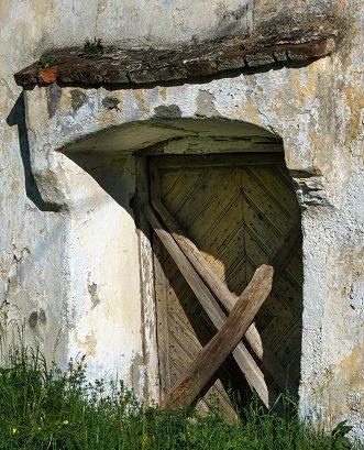 Macht hoch die Tür, die Tor – noch nicht ganz weit!
